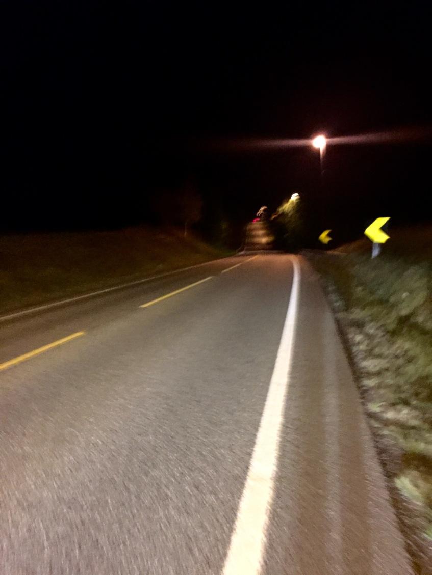 Fint med følgebil på disse veiene.