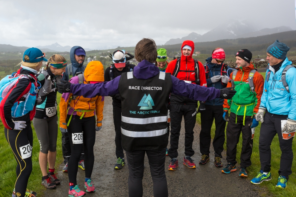 Maria Karlsen, Race Director of the Lofoten Ultra Trail, has a short talk with the runners in the 50 miles race.